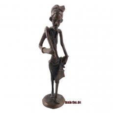 Bronzeguss Figur, Bauer mit Hacke aus Afrika, Gelbguss-Figur