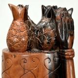 Moderne afrikanische Figur aus Ebenholz. Obstverkäuferin.