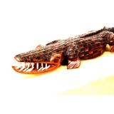 Afrikanisches Krokodil aus Mahagoni