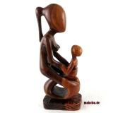 Mutter mit Kind. Moderne, abstrakte Frauenfigur aus Afrika, Ebenholz.