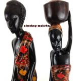 Afrikanisches Paar im traditionellen ghanaischen Gewand